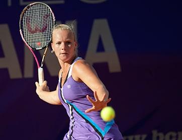 Tennis speelster Kiki Bertens forehand